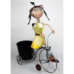 Macetero negro niña bicicleta