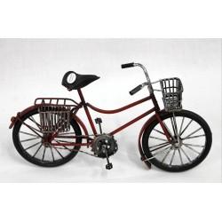 Bicicleta roja cestas